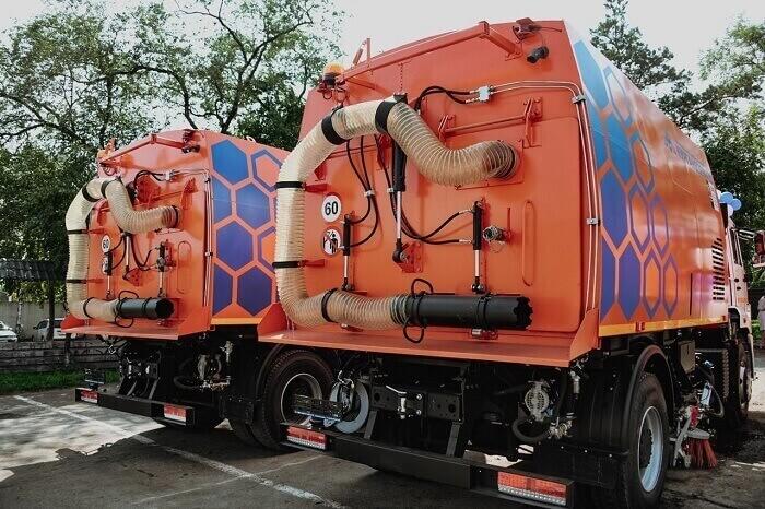 В Приамурье закупили 17 вакуумных машин для уборки городских дорог