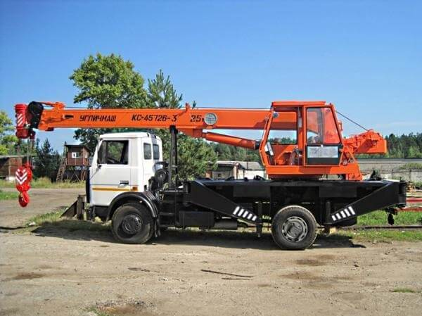 Автокран КС-45726 и его модификации: технические характеристики, длина стрелы, грузоподъемность, фото