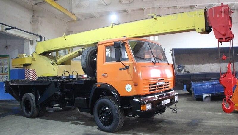 """Автокран КС-3577-3К """"Угличмаш"""": технические характеристики, фото, описание, длина стрелы, мощность"""