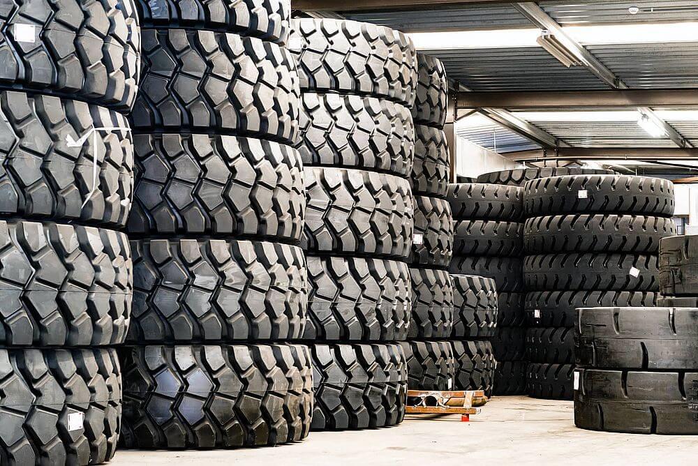 Как выбрать шины для спецтехники: выбираем правильно
